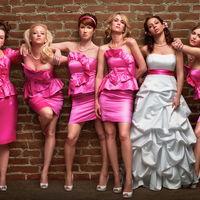 """""""Se alquila dama de honor para bodas"""": el negocio de Jen Giantz que parece sacado de una película de Hollywood"""