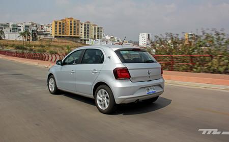 Volkswagen Gol 10 años 12