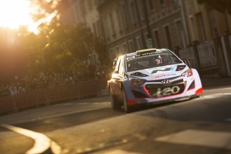 Hyundai reconoce seguir sin dar con la tecla del motor de su i20 WRC