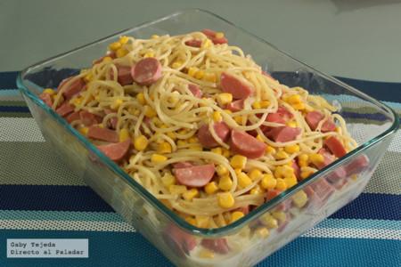 Receta: Pasta en salsa blanca con salchichas y queso.