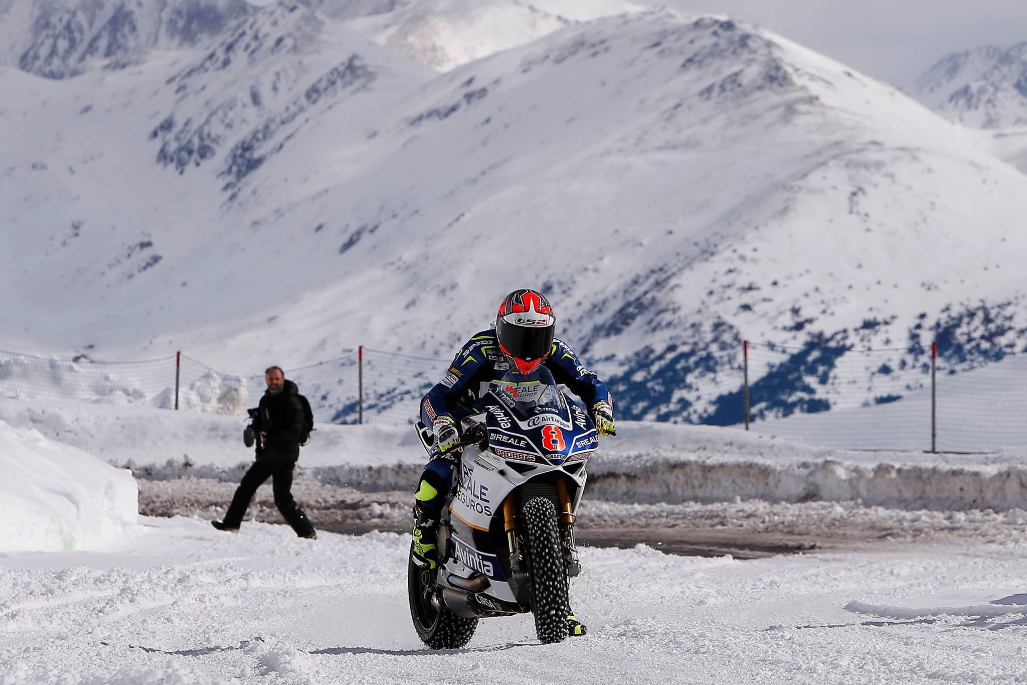 Foto de Presentación Reale Avintia Racing MotoGP 2017 (27/28)