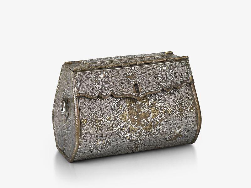 Este bolso de latón ha sido identificado como uno de los primeros ejemplos supervivientes de un bolso de mujer