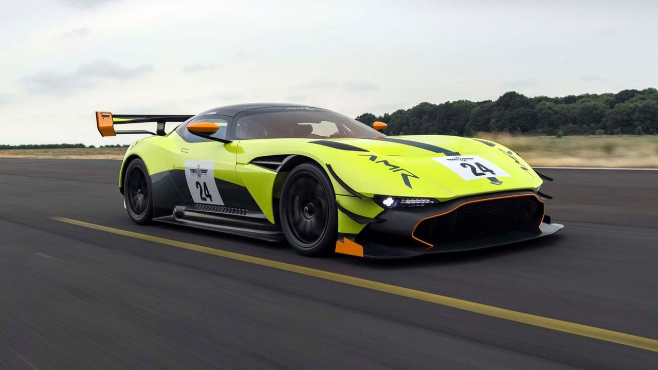 Foto de Aston Martin Vulcan AMR Pro (15/18)
