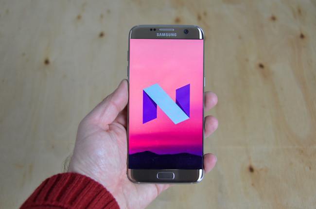 Samsung Galaxy S7 con Android 7.0