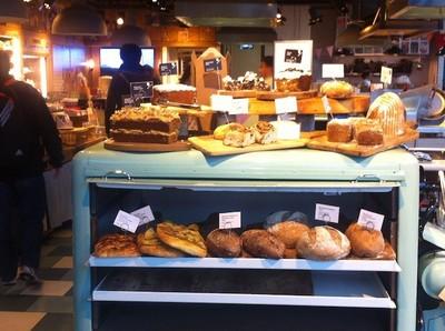 Cinco cosas que no soporto de Londres (V): escupideras con forma de deliciosos pastelitos