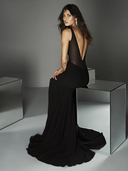c0be425a20bd Los 89 vestidos de fiesta de Pronovias colección 2020, diseños de ...