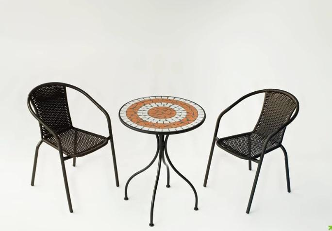 Conjunto de mesa y dos sillones