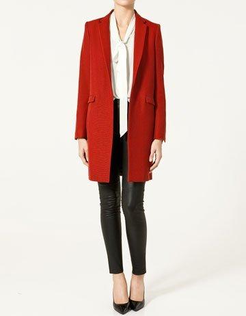 zara abrigo rojo