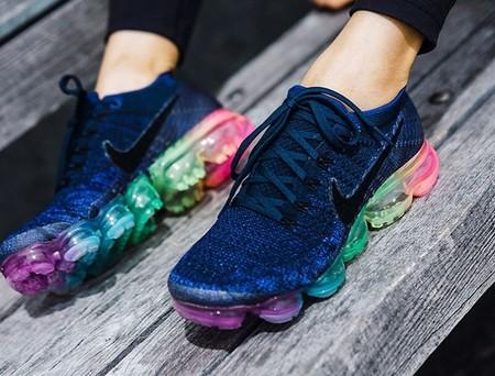 a8664fd935940 La nueva colección BETRUE de Nike llena nuestros pies de color y buen  rollo