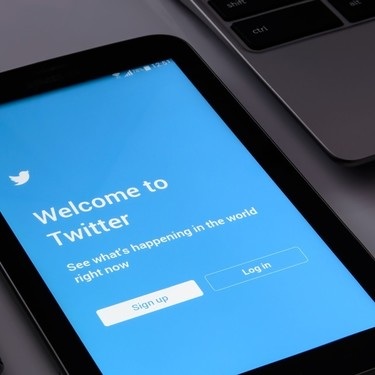 Un experimento de Buffer en Twitter demuestra que retuitear tus propias publicaciones puede aumentar el alcance en un 90%