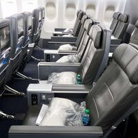 """Las aerolíneas están destruyendo los asientos business: el futuro del avión es la clase media """"premium"""""""