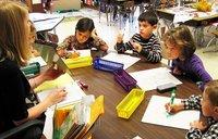 Asociaciones de padres de alumnos reclamarán apoyos para asear a los niños de infantil