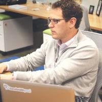 Trabajar con tu portátil en tu puesto de trabajo, los costes ocultos para la empresa