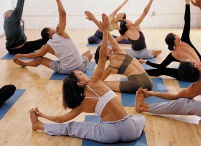 Mantiene la talla con el paso del tiempo practicando yoga y pilates