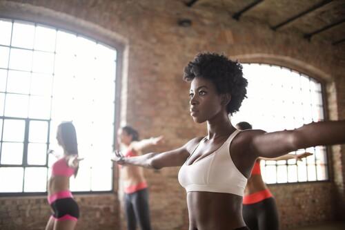 Las cinco mejores clases colectivas a las que te puedes apuntar este año para ponerte en forma
