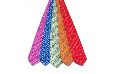 Corbatas Agatha Ruiz de la Prada: pon un poco de color en tu vida