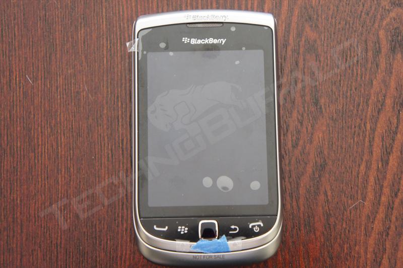 Foto de BlackBerry Torch 2 9810, más imágenes del nuevo híbrido de RIM (4/22)