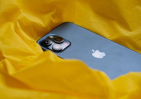 Apple confiesa lo difíciles que son de arreglar los iPhone: el índice de 'reparabilidad' ya aparece en Francia