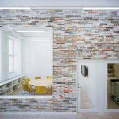 una-buena-idea-un-muro-hecho-con-revistas