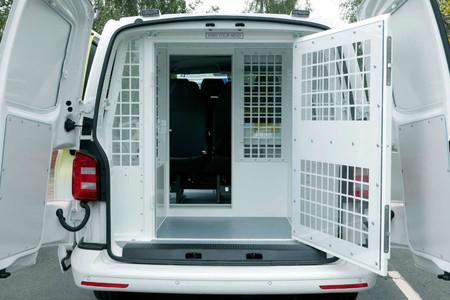 Volkswagen Transporter Convertido En Carcel Ambulante 1