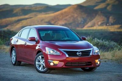 Nissan promete grandes cambios para el nuevo Altima 2016
