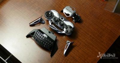 Mad Catz tiene el mando más raro para móviles y lo hemos podido probar en el CES