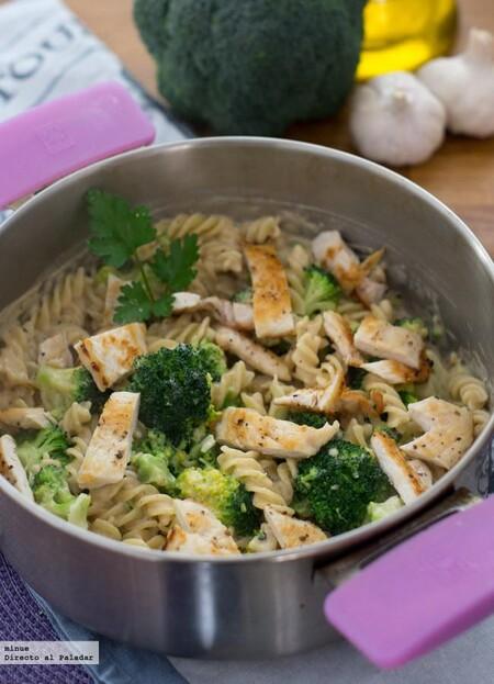 Receta de fusilli Alfredo con brócoli, fácil, rápida y nutritiva
