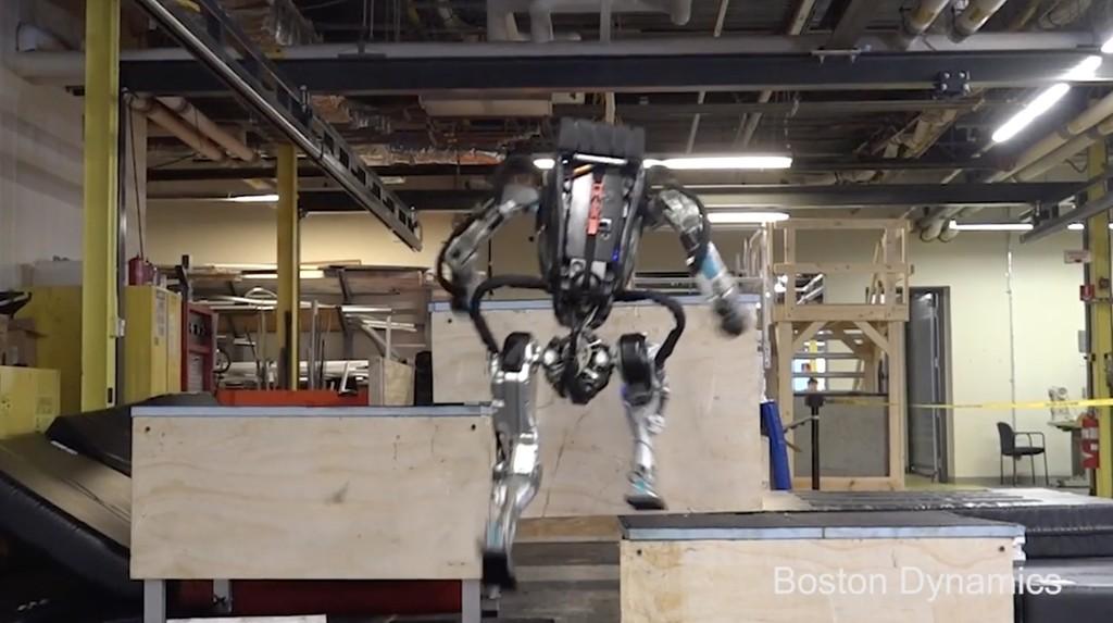 El robot 'Atlas' de Boston Dynamics haciendo parkour nos demuestra por qué es uno de los mejores robots humanoides a día de hoy