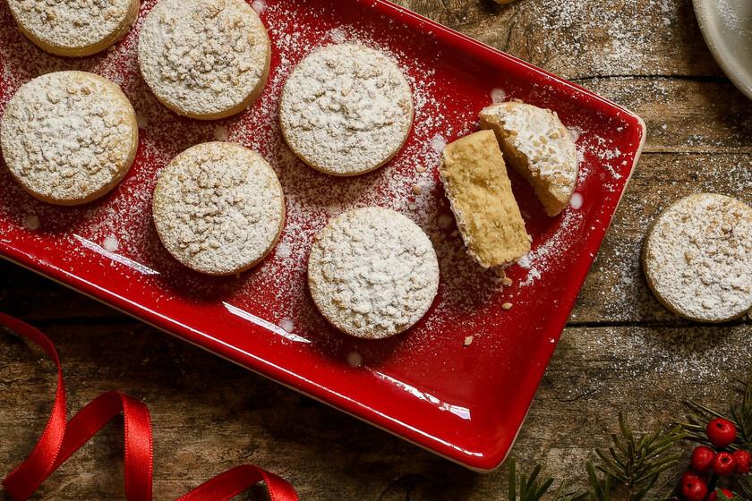 Polvorones de aceite de oliva y canela, receta tradicional de Navidad con Thermomix