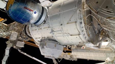 Si hace falta más espacio en la Estación Espacial Internacional, la NASA la agranda con módulos inflables