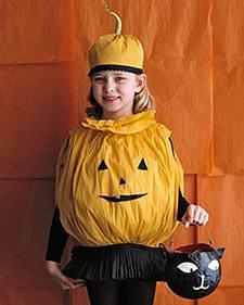 Disfraces caseros para Halloween hechos con papel