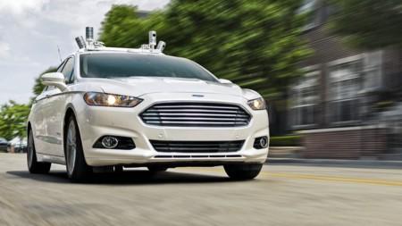 Ford se sube al carro autónomo y ya ha puesto fecha a su primer coche sin volante