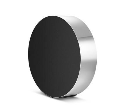 El altavoz BeoSound Edge es la nueva propuesta de Bang & Olufsen y desde luego no pasa desapercibido