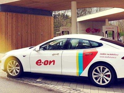 E.ON creará una red europea de 10.000 supercargadores de coches eléctricos para 2020