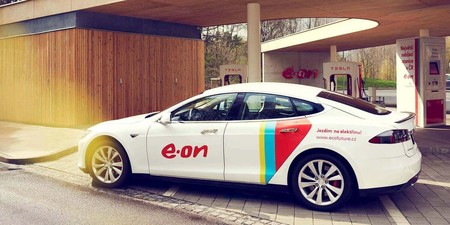 E.ON creará una red europea de 10.000 supercargadores de coches eléctricos para 2020
