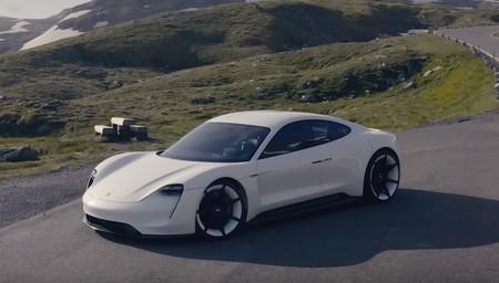 Este vídeo 4K de drones DJI es la excusa perfecta para ver al Porsche Mission E paseando por las montañas de Austria