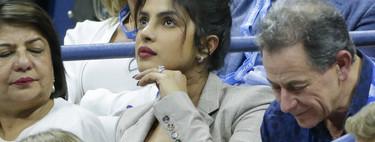 Así adapta Priyanka Chopra sus vestidos veraniegos al entretiempo, con blazer y zapatos maravillosos