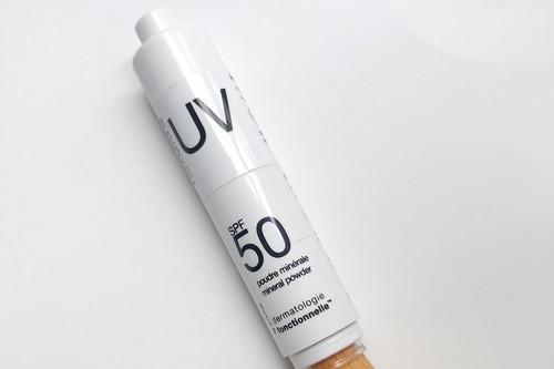Descubriendo los polvos minerales Nexultra UV de Universkin con SPF50, ideales para proteger la piel este verano