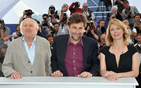 habemus-papam-we-have-a-pope-cannes-2011.jpg