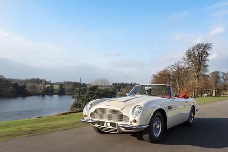 Aston Martin anuncia una conversión eléctrica reversible para sus coches clásicos con este Heritage EV