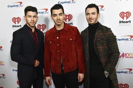 Así se abrigan con estilo los Jonas Brothers, con un look perfecto para copiar estas Navidades