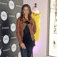 Camila Alves inaugura la nueva tienda de Pinko en Barcelona