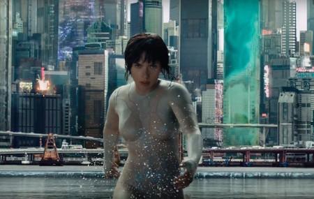 'Ghost in the Shell' nos muestra su primer y brutal tráiler con Scarlett Johansson