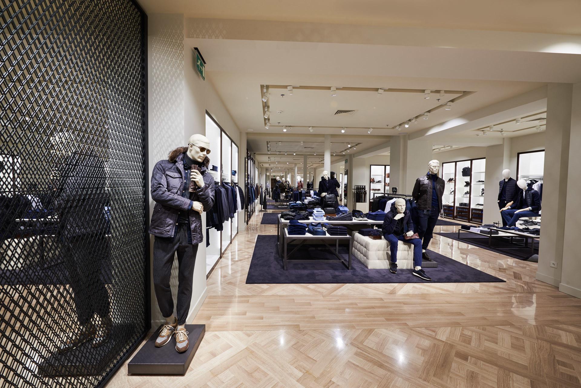 Massimo Dutti Barcelona boutique