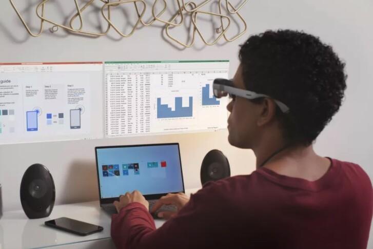 Las gafas de realidad aumentada de Qualcomm llegarán en 2021: conectadas al móvil y con proyección en la pared de pantallas virtuales