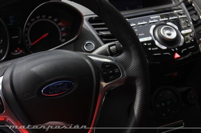 Ford Fiesta ST 2013, detalle interior