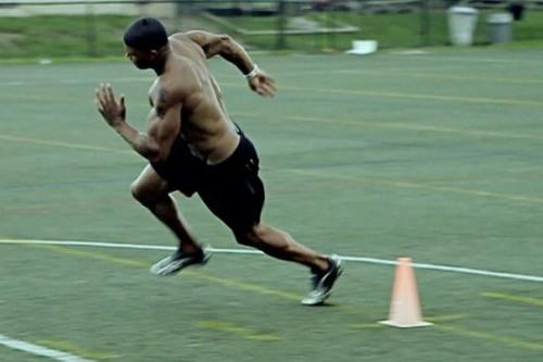 Cuatro ejercicios de agilidad con conos que aumentarán tu velocidad (y la quema de calorías)