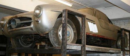 Un Mercedes-Benz 300 SL Gullwing de 1957 quiere ser adoptado y restaurado
