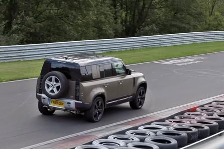 Land Rover Defender Nurburgring 1