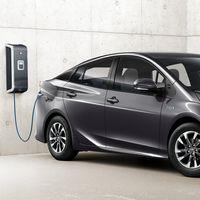 Toyota y Panasonic crearán una empresa para fabricar las baterías de sus próximos coches eléctricos e híbridos